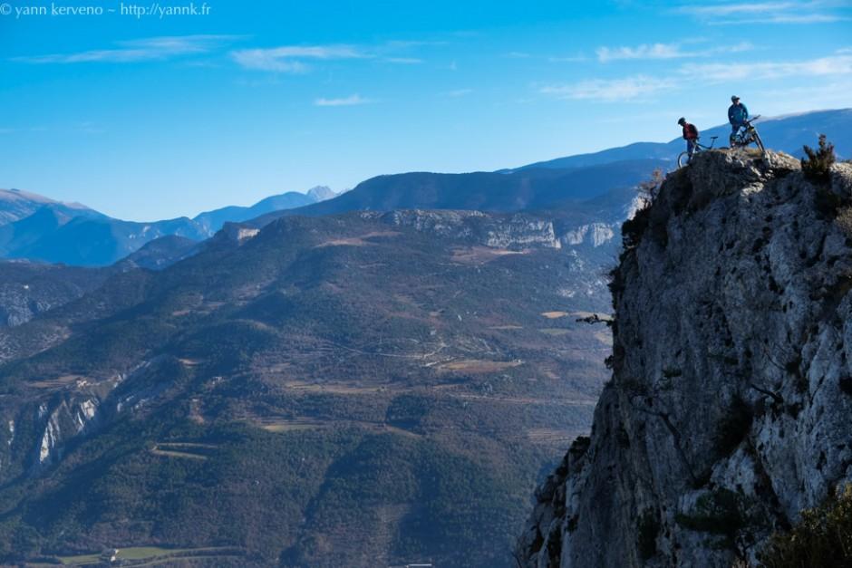 E bas la vallée, là bas, la Pedraforca.