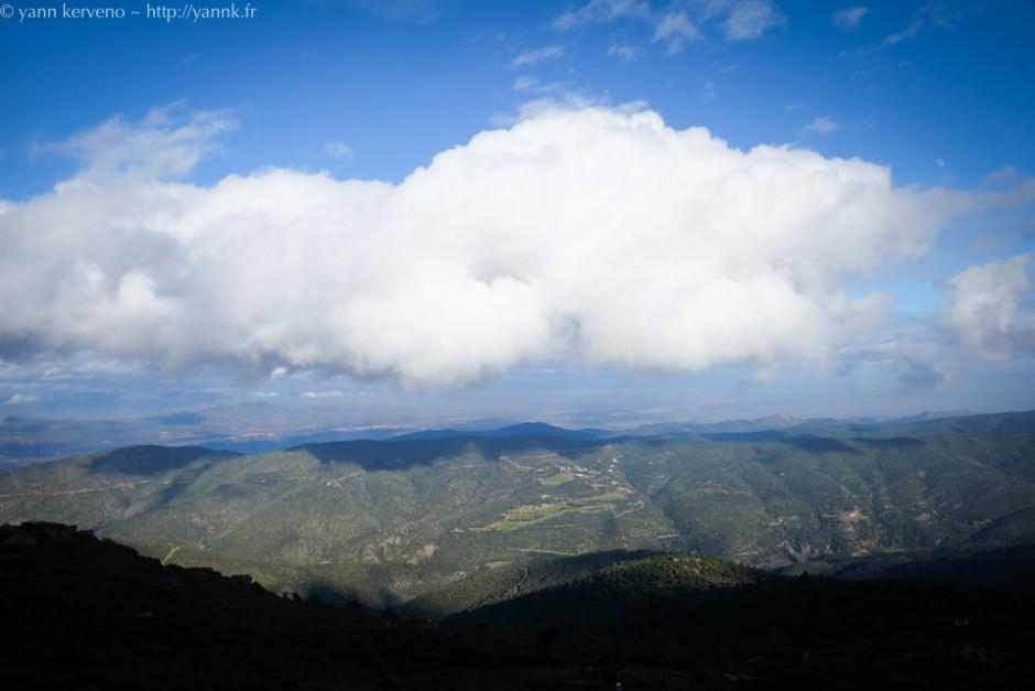Flirte avec les nuages.